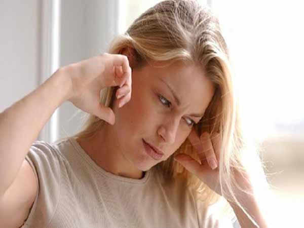 Ngứa tai trái là điềm báo gì?