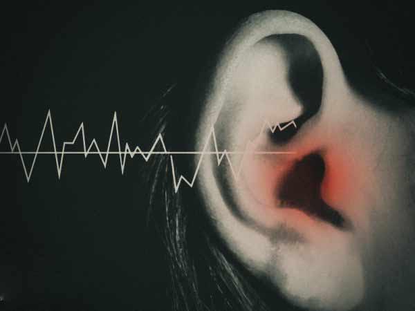 Vậy ù tai trái là điềm báo gì?