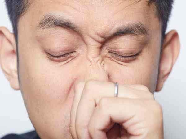 Hiện tượng ngứa mũi là điềm gì? Tốt hay xấu?